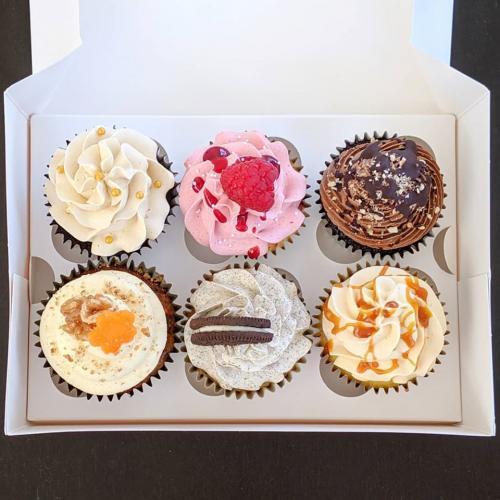 RSPCA Mixed Cupcake Box